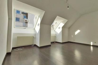 Helle Dachgeschosswohnung mit 3 Zimmern im Zentrum von Stockerau - PKW Stellplatz inklusive
