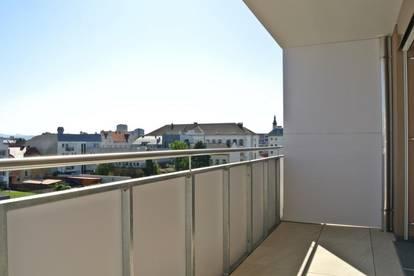 Provisionsfreie Vermietung - Terrassenwohnung mit 4 Zimmern und Balkon im Zentrum