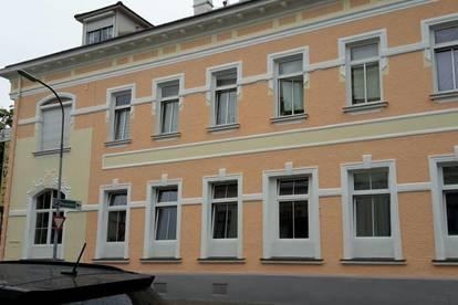 Tolle Dachgeschoß-Wohnung mit Terrasse im Zentrum!