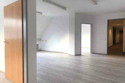 PROVISONSFREI  neu saniertes 4-Raumbüro in top Lage! 86 m²  - 4020 Linz