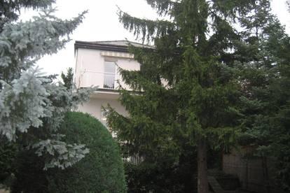 Familienhaus, zentrale Grünlage mit südseitigem Garten, ruhig,