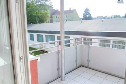 Freundliche 2 Zimmer-Wohnung mit sonnigem Balkon in Ruhelage
