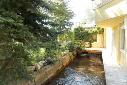 Sehr schöne 3 Zimmer Wohnung mit Balkon in historischem Ensemble - Wohnen wie im Urlaub