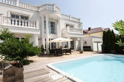 Villa in Grün-Ruhelage - hier gehört das Besondere zum täglichen Leben!