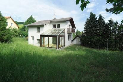 KLOSTERNEUBURG Villenlage Einfamilienhaus auf 3 Etagen 176 m² NFL / 666 m² Grund (Zubau mit ungefähr 140 m² möglich) Widmung BW f. 2 Wohneinheiten