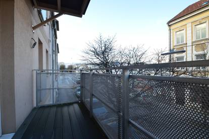 Zentrale 64 m2 Wohnung mit Balkon zu vermieten!