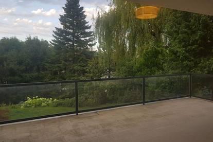 Luxushaushälfte mit Garten