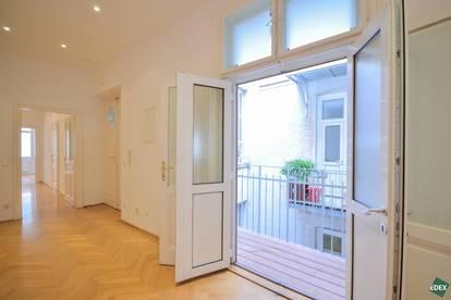 Unbefristet: Große 5-Zimmer-Familien-Altbauwohnung mit kleinem Balkon