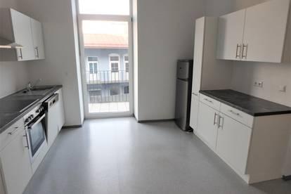 Jakomini / Innere Stadt (Höhe Jakoministr.): 3 ZI + Wohnküche + Innenhof-Balkon + Garagenplatz – unbefristet!