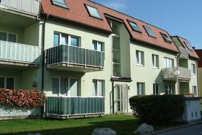 Helle 1 Zimmer Dachgeschosswohnung in Brunn am Gebirge