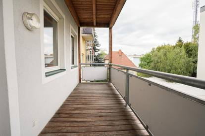 TOP-Lage mit Blick auf den Plabutsch: Balkonwohnung nahe Schloß Eggenberg und FH Joanneum