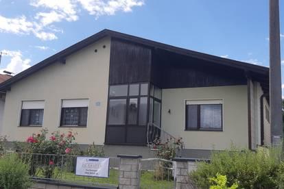 Einfamilienhaus in Steinbrunn !!