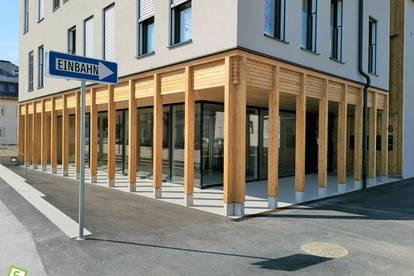 Ihr Platz zum Erfolg! Zentrale Geschäfts-, Büro, Praxis- und Ausstellungsflächen