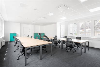 Extragroßes Büro in Linz, Promenade