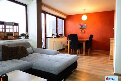 Nette 3-Zimmer-Wohnung mit Balkon und Garage!