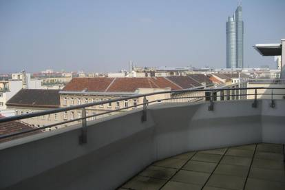 Traumhafte Dachgeschoss-Maisonette mit 2 Terrassen nahe Millenniumtower zu vermieten - provisionsfrei!