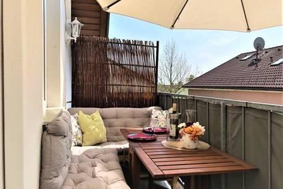 Dachgeschoss Juwel mit Fernblick! 4 Zimmer mit Balkon!
