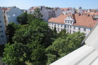 Zentrale Lage! 2 Zimmer Dachgeschoß Miete / Grünblick