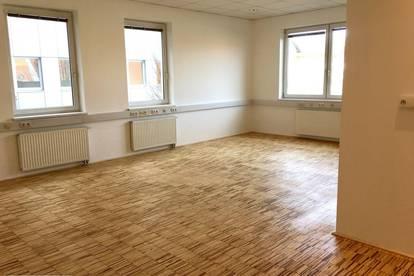 Neu renoviertes Büro oder Praxis im Stadtzentrum