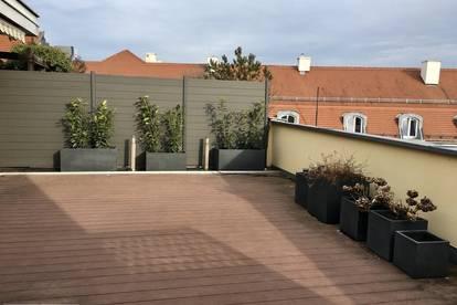 Helle klimatisierte Terrassenwohnung im Zentrum