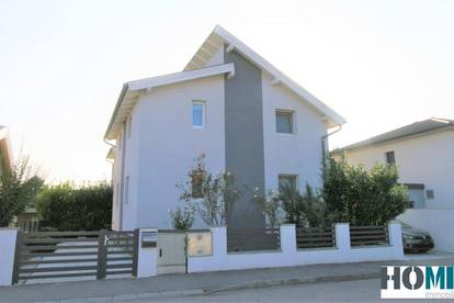 stilvolles Ein- oder Zweifamilienhaus mit traumhafter Galerie