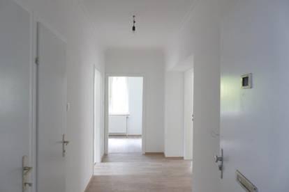 """""""Helle - schöne renovierte Wohnung im Hochparterre - 3 große Zimmer"""""""