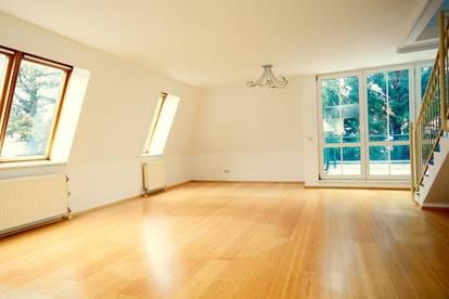 Renovierungsbedürftige 4-Zimmer-Maisonette-Wohnung mit Terrasse, Loggia und Gartenmitbenützung sowie Parkplatz
