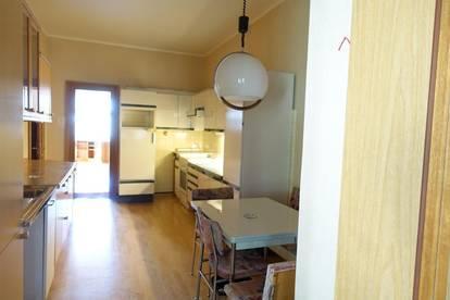 Höttinger Au - Hutterweg  Möblierte 3-Zimmer-Wohnung mit verglasten Balkon