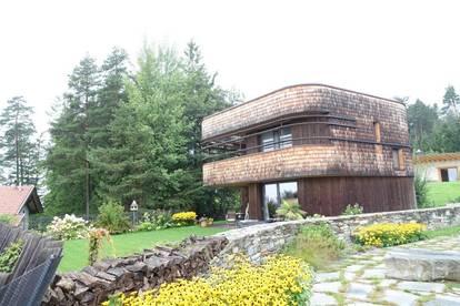 GNADENWALD - Exklusives Einfamilienhaus in sonniger und ruhiger Lage