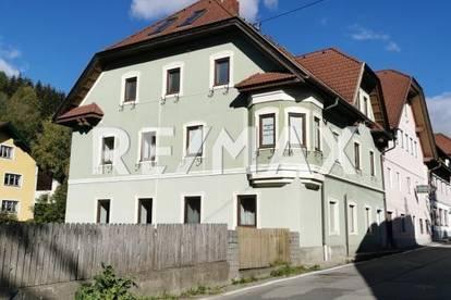 Altbaucharme! Interessantes Mehrparteienhaus am Fuße des Katschberg