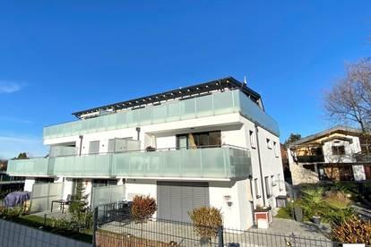 Neualm: Attraktive 3-Zi.-Penthousewohnung mit 30 m² Terrasse - in Kürze bezugsfertig