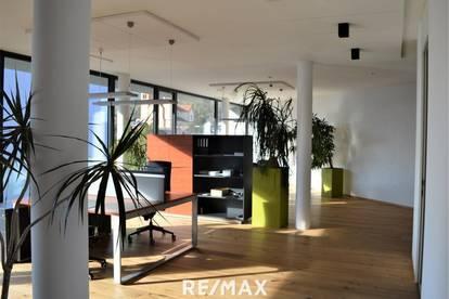 Moderne, helle Büroräumlichkeiten