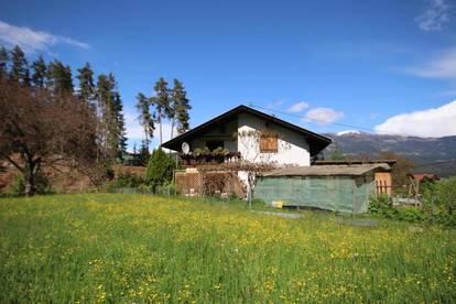 In ruhiger Waldrandlage, Wohnhaus, großer Garten & Nebengebäude