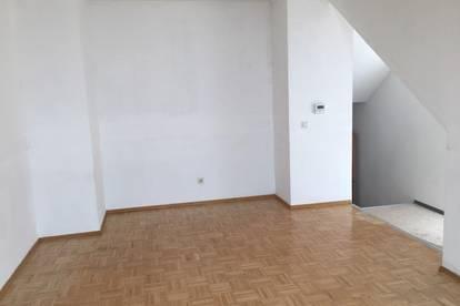 Loftcharakter - Mansardenwohnung - 4 Zimmer - gefördert