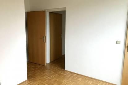 Provisionsfrei - 3 Zimmer - Balkon - Dachgeschoß