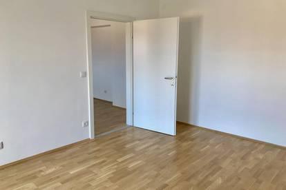 TOP - sanierte Wohnung - 2-Zimmer - kleiner Balkon