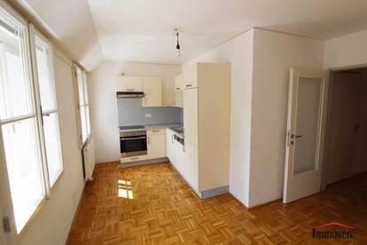 Gut aufgeteilte 2 Zimmer Wohnung mit gemütlichem Wohnflair