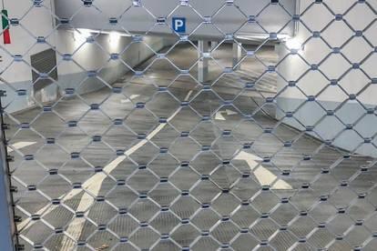... Parkplatzsuche adé ... - ... Garagenstellplatz ...