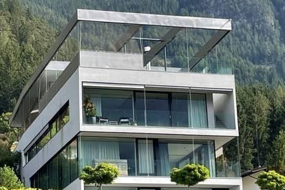 Architektenvilla der Superlative mit 2 Einliegerwohnungen direkt am Achensee!!