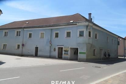Historisches Wohn- und Geschäftshaus in Zentrumslage