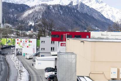 400 m² günstige und vielseitig nutzbare Fläche