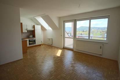 Schöne 2 Zimmer Dachgeschoßwohnung mit Terrasse und inkl. Tiefgaragenabstellplatz in Andritz!