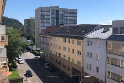 Geräumige 2 Zimmer Wohnung in Geidorf Nähe Schlossberg mit Süd/West Balkon
