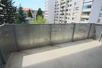 2 Zimmerwohnung mit 10 m² Balkon in der Josefigasse!