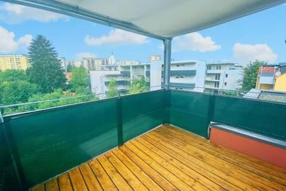 Schöne 3-Zimmer-Wohnung mit sehr großem Balkon und Carport