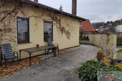 Größeres Anwesen - Wohnen und Arbeiten!