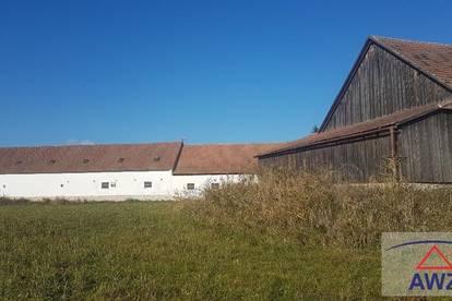 ANGEBOT MACHEN! Bauernhaus mit Innenhof und Nebengebäuden