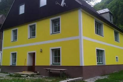 ALLEINLAGE - SCHNÄPPCHEN! Schönes Haus in idyllischer Alleinlage!