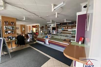 Kaffeehaus in Toplage mit wunderschöner großer Wohnung!