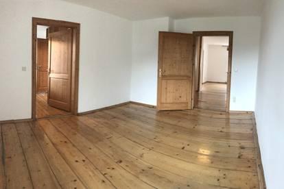 SINGLE- oder PÄRCHENWOHNRAUM 2-Zimmer-Wohnung im Zentrum der Stadt Hallein